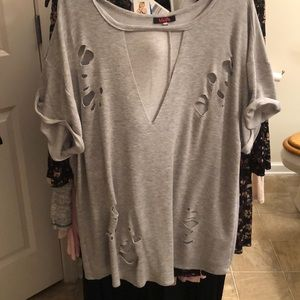 Women's plus size (2x) Blush brand destructed top